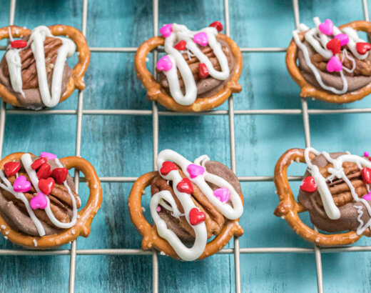 Valentine's Day Pretzel Turtle Candy Recipe